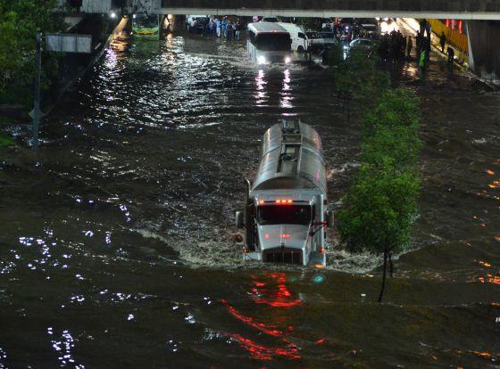 Inundaciones por las torrenciales lluvias en la Ciudad de México.