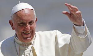 El papa Francisco durante una audiencia en la plaza de San Pedro.