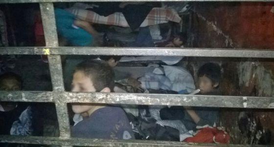 Un grupo de niños acogidos en uno de los dormitorios infantiles de la Casa Mamá Rosa en Zamora (Michoacán).