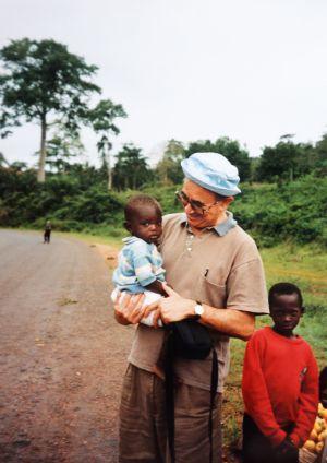 Foto sin datar de Miguel Pajares en África cedida por la familia.