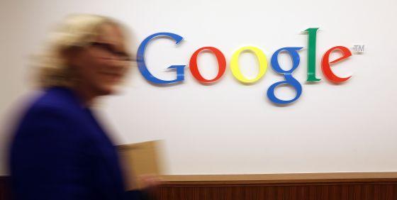 El logotipo de la compañía Google en su sede alemana de Berlín, el pasado mes de agosto