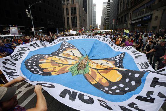 Partipantes en la marcha contra el cambio climático en Nueva York.