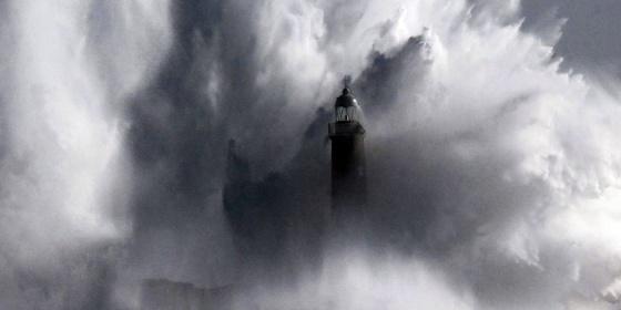 El temporal del pasado febrero dejó un fuerte oleaje en Cantabria.