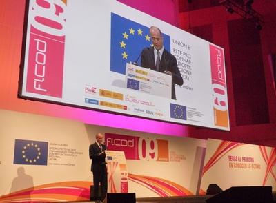 El ministro de Industria ha anunciado que el acceso a Internet de un mega será servicio universal en 2011.