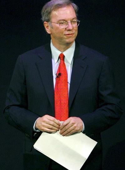 Eric Schmidt, consejero delegado de Google, durante su intervención en el congreso de telefonía móvil de Barcelona.