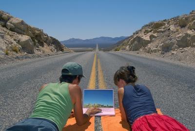 Los viajeros se informan con Internet antes de tomar decisiones.