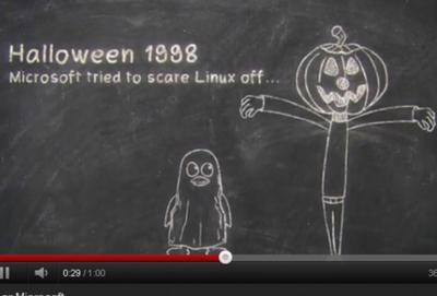 Imagen del vídeo de Microsoft que recuerda la guerra con Linux.