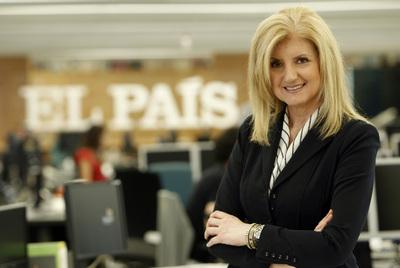 Arianna Huffington, ayer en la redacción de EL PAÍS, en Madrid.