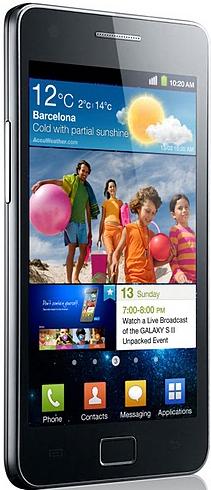 Galaxy S II, que pesa 116 gramos y tiene una batería de 1650 mAh, pone el acento en la pantalla, la velocidad y los contenidos.
