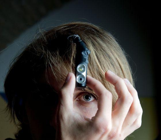 Neil Harbisson, con su tercer ojo.