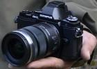 Olympus lanza su primera cámara semiprofesional sin visor óptico