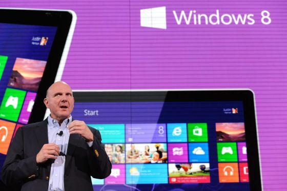 Steve Ballmer, consejero delegado de Microsoft, en la presentación de Windows 8