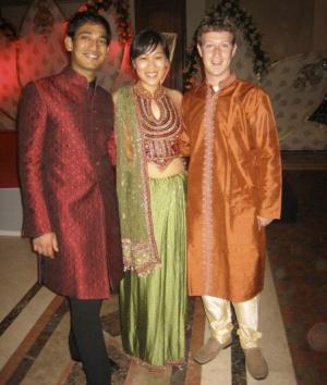 Los Zuckerberg en la boda de una amigo.