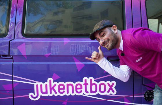 JukenetBox elige la canción del bar