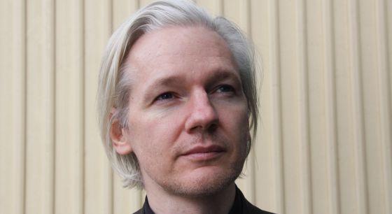 "Assange: ""Internet ha sido ocupada militarmente por EE UU"""