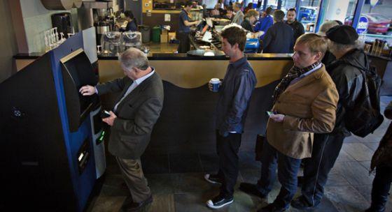 Primer cajero automático de bitcoins, en un bar canadiense.