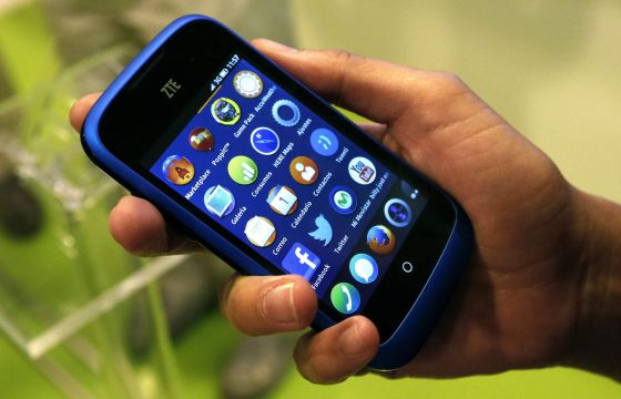 El auge de los 'smartphones' sigue resistiendo a la crisis.