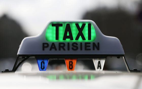 Los taxistas de París agredieron a conductores con Uber.