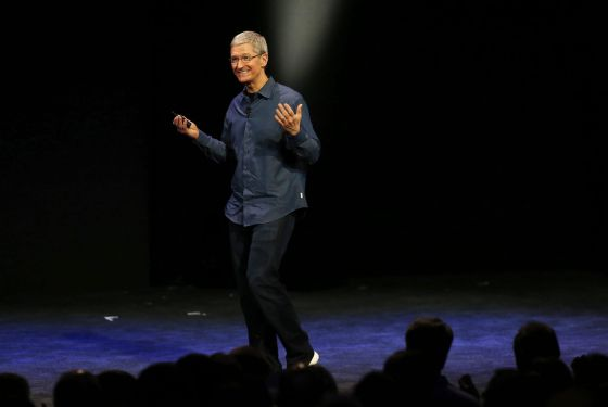 El consejero delegado de Apple, Tim Cook, durante la presentación de los nuevos iPhone.