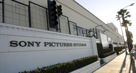 Sony se enfrenta ahora a una demanda de dos extrabajadores