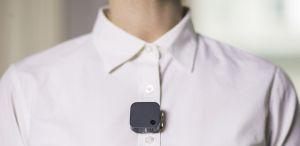 Narrative Clip 2, una pequeña cámara que se lleva adherida a la ropa y que capta una foto cada 30 segundos.