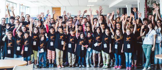 Un grupo de los niños participantes en la Semana de la Programación.
