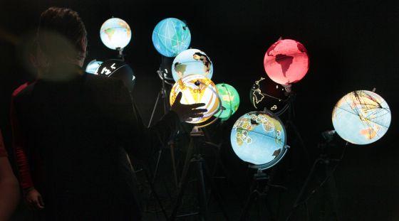 Imagen de la exposición 'Big Bang Data' en la Fundación Telefónica (Madrid). rn  rn