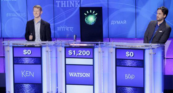 Concurso de dos campeones del programa televisivo Jeopardy contra el superordenador de IBM, Watson, en 2011.