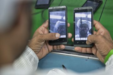 En Intex trabajan alrededor de 5.000 personas produciendo teléfonos móviles.