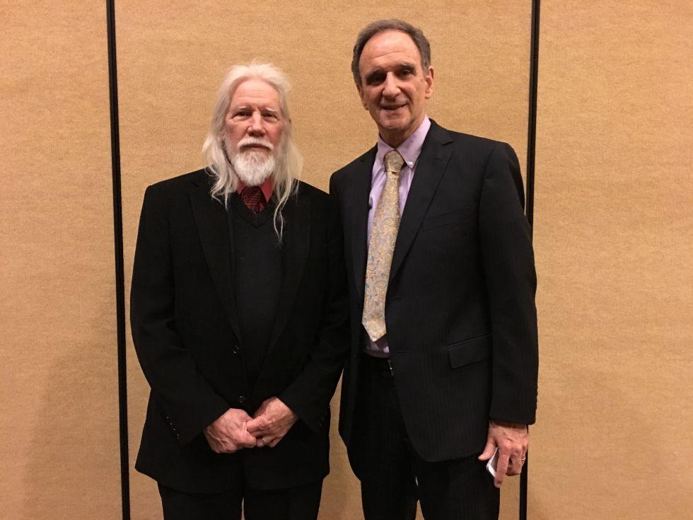 Whitfield Diffie (ziquierda) y Martin E. Hellman.