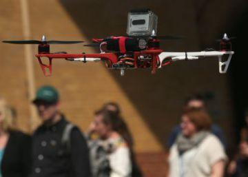Drones en el jardín de su casa