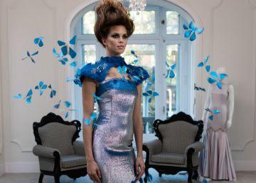 Así es el vestido inteligente del que salen volando mariposas