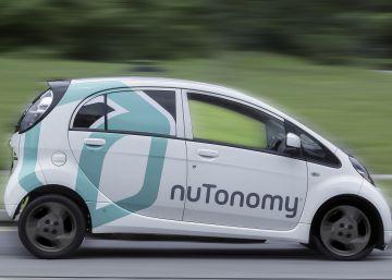 Así es el taxi sin conductor que trata de competir con el coche de Google