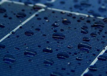 Paneles solares que transforman el calor y la lluvia en electricidad