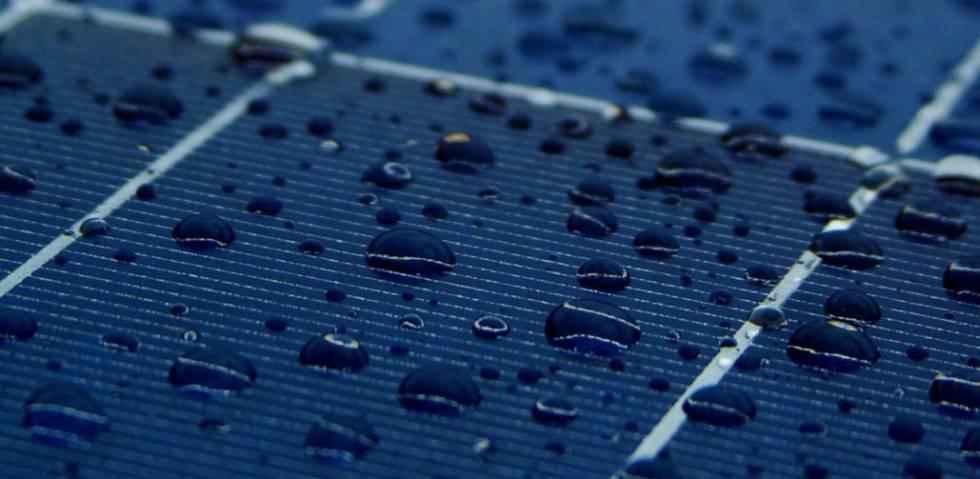 Paneles Solares Que Transforman El Calor Y La Lluvia En