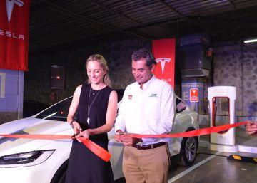 Tesla estrena el primer súper cargador en América Latina