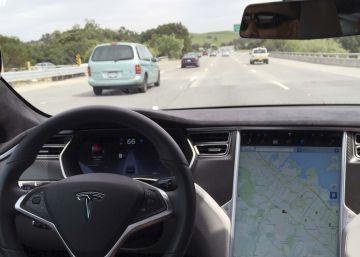 El dueño de un Tesla, primer muerto en un coche con piloto automático