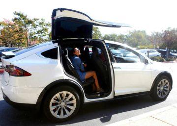 EE UU investiga a Tesla tras otro accidente de un coche con el piloto automático