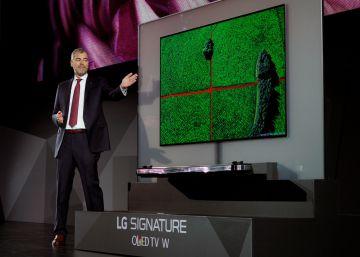 LG presenta una televisión tan fina como una tarjeta de crédito