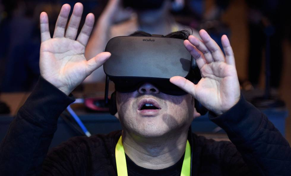 Un asistente con la realidad virtual de Intel.