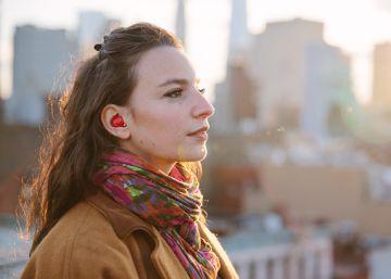 Pilot, el auricular inteligente que traduce conversaciones en (casi) tiempo real