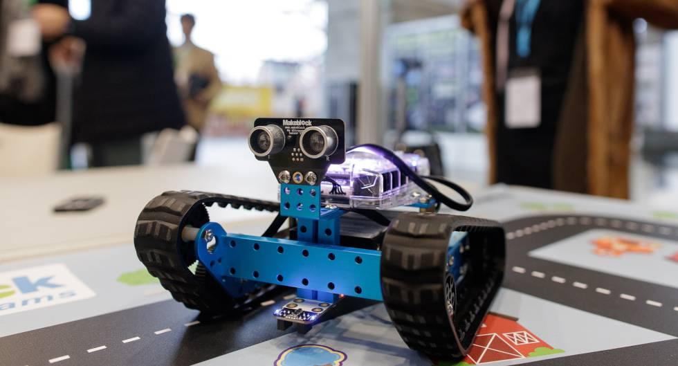 Uno de los robots educativo de la empresa SPC-Makeblock.
