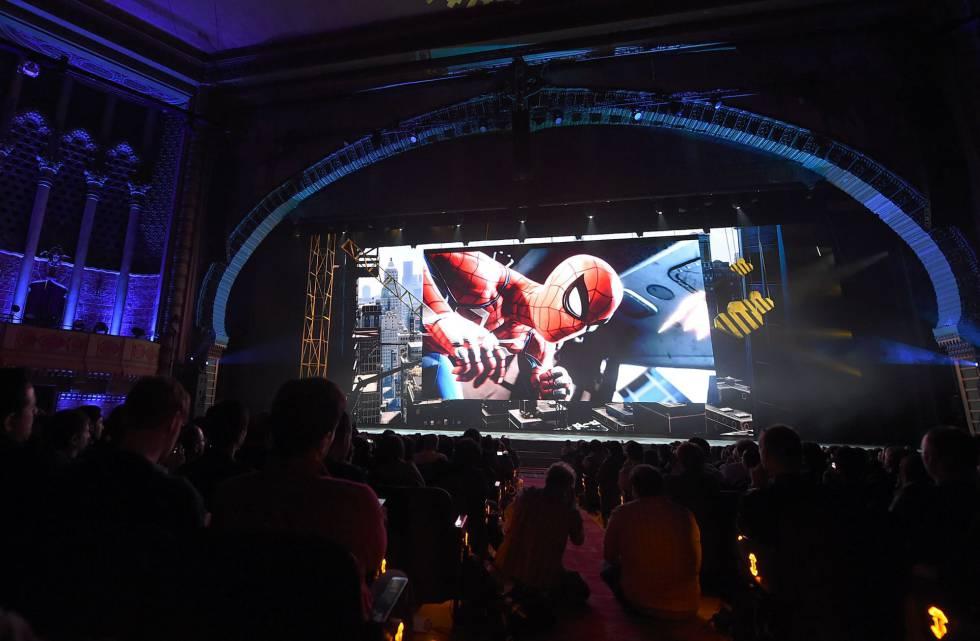 Spiderman en PlayStation 4 mezcla cine y videojuego.