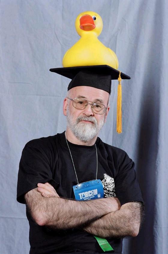 Por frases como estas vamos a echar de menos a Terry Pratchett