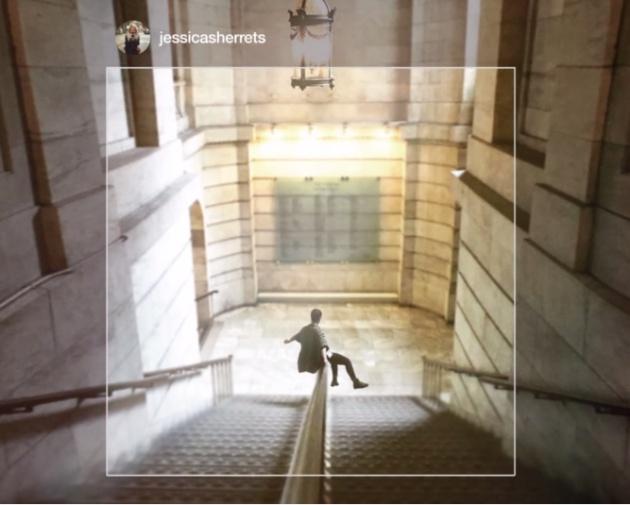 Fotograma de un vídeo de Instagram en el que se aprecia su característico formato cuadrado