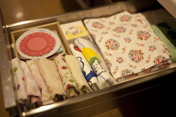 Marie kondo la japonesa que lo ordena todo unimedios - Libro orden japonesa ...