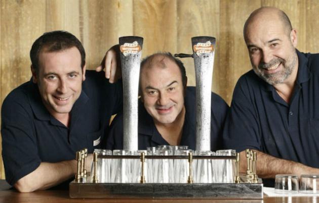 El equipo de camareros de Los Serrano. Seguro que ellos también tuvieron que aguantar lo suyo.