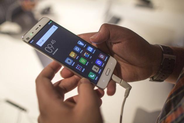 Resultado de imagen de España, entre los diez países del mundo donde más usos se da a los teléfonos móviles
