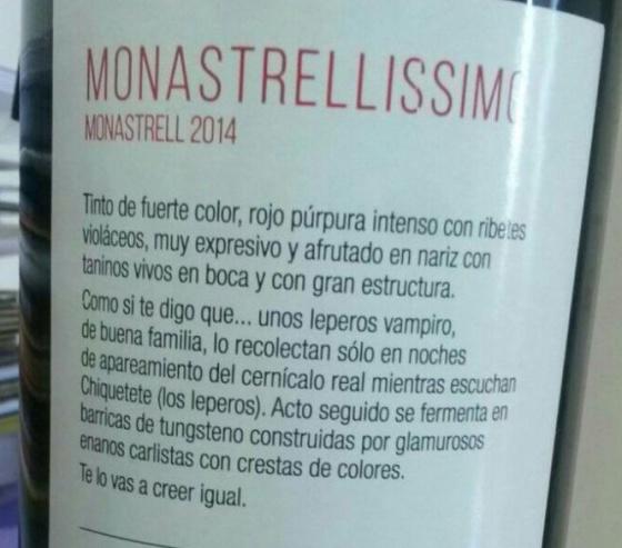 """La etiqueta de vino """"recolectado por vampiros"""" que te ha llegado por WhatsApp es real"""