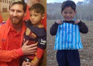 Menino que usou sacola como camisa conhece Messi e encontro viraliza